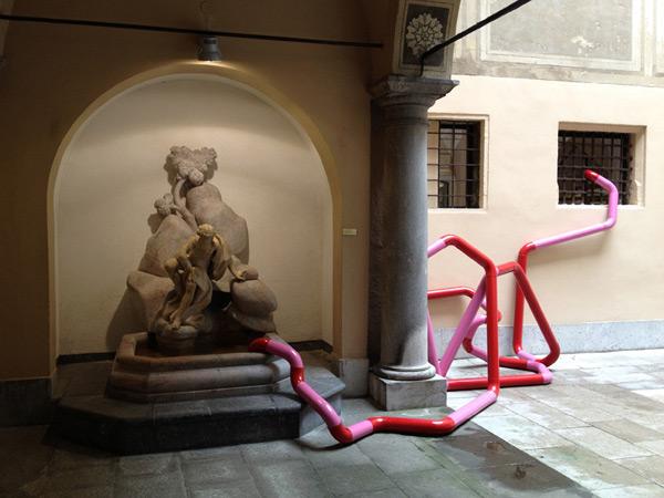 KOLEKTIVA, Lost in Communication, 16th Slovene sculpture exhibition, Ljubljana Town Hall, 2012